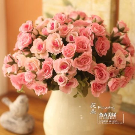 One of our favourite choices for artificial roses, these beautiful blooms look incredibly realistic and make a gorgeous arrangement (click here to buy).