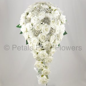 Teardrop bride bouquet