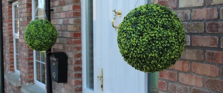 Light green topiary balls